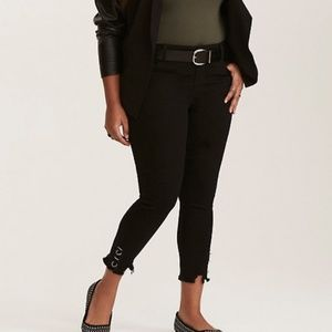 TORRID high rise skinny with ring cuffs L1